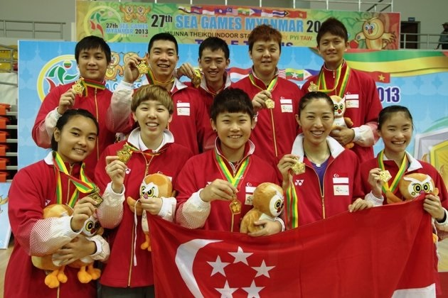 Singapore's table tennis team at the SEA Games 2013. The only home-grown Singaporean was Isabelle Li (bottom left).