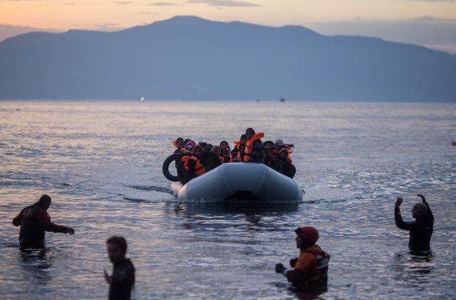 Refugees arrive on Lesbos